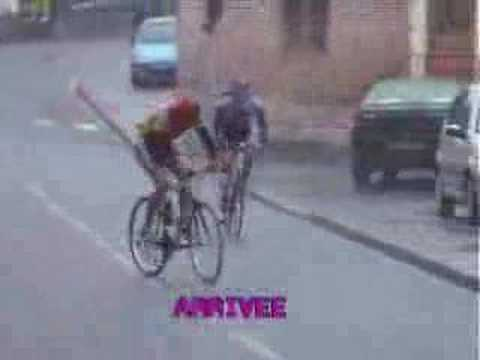 Caida ciclista tonta