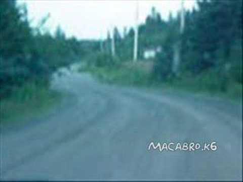 fantasma cruzando la calle
